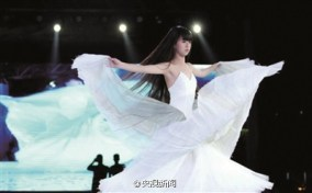 wei-caiqi-2014-cctv-spring-festival-gala-4-hours-of-twirling-spinning-08