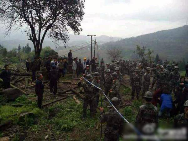 sichuan-gulin-villagers-clash-with-police-over-old-tree-07