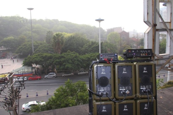 wenzhou-residents-counter-public-plaza-dancing-noise-with-own-loudspeaker