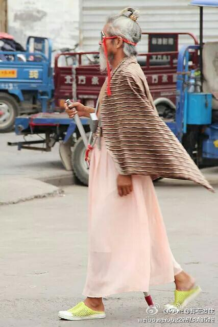 china-luoyang-chinese-most-fashionable-homeless-person-in-history-04
