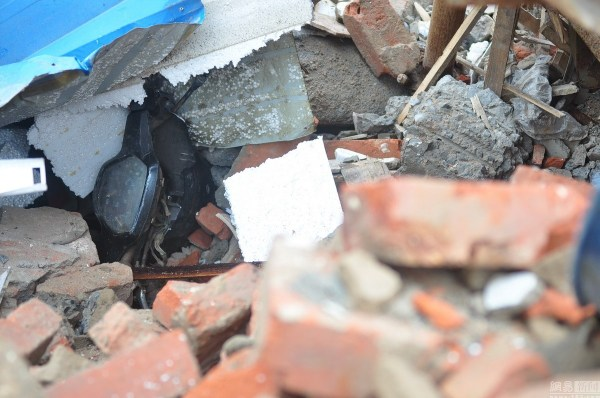 henan-chinese-couple-abducted-in-middle-of-night-return-to-demolished-home-15