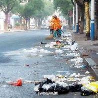 chian-chinese-sanitation-worker-zhu-guoxi-02