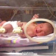 shouting-brother-shaanxi-chinese-firefighter-saves-abandoned-baby-girl-03