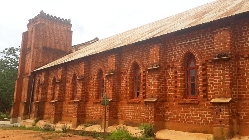 Minga catholic Church side