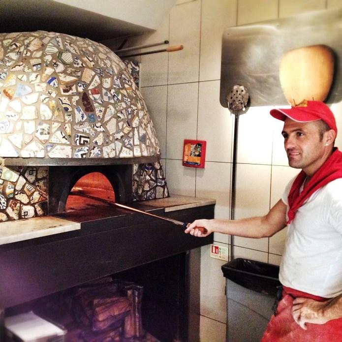 Franco Manca Chiswick, pizzaiolo at work - Copyright Mat Smith Photography