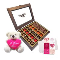 Heartfelt-Love-Chocolates-with-Cute-Teddy