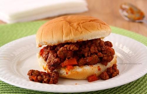 Homemade Sloppy Joe Sandwiches | www.chocolatemoosey.com