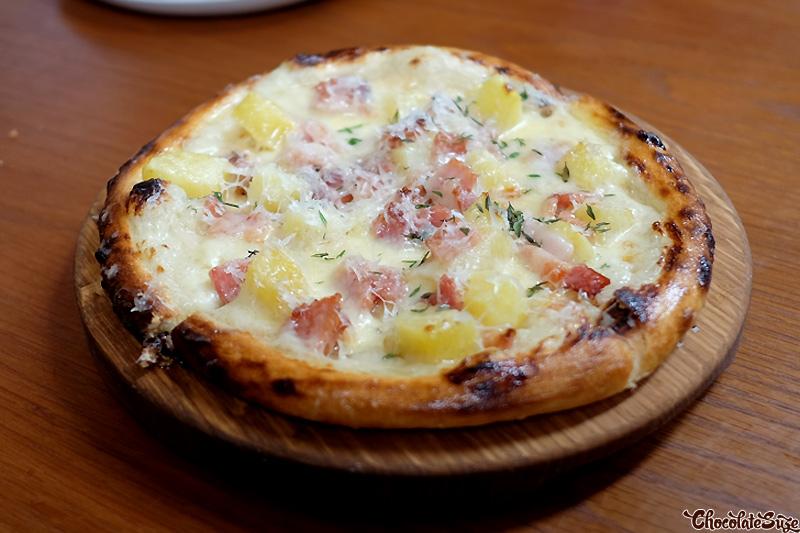 Sourdough flatbread at Kensington St Social, Chippendale