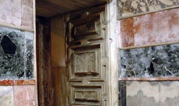 010_door-c-osseman
