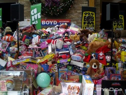 CURVE 94.3 - 99.9 BOB FM Christmas Miracle 2008