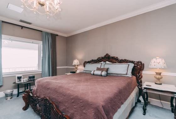 Camelot Room - Christopher Place Resort - 5