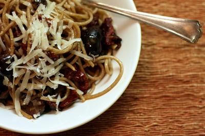 pasta_tomate_aliche_s.jpg
