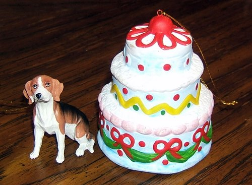 Christmas ornaments I received for 2008... a beagle and a birthday cake