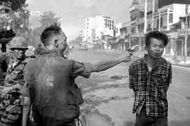 La ejecución del asesino Nguyen Van Lem, Saigón, 1968.