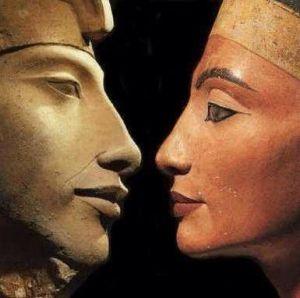 Akhenaton y Nefertiti