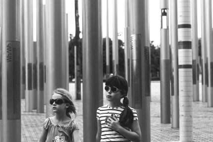 family photography sydney - girls wearing sunglasses