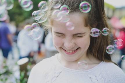 photographerssydney/girlwithbubbles