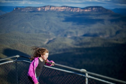 Sydney photographer/ family walking in Blue Mountains