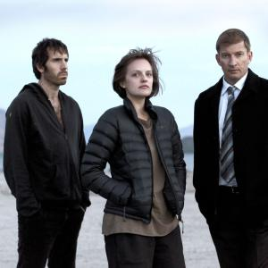 Top-of-th-lake-elisabeth-moss-david-wenham-and-thomas-m-wright