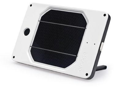 Joos e l'Ipad si ricarica di energia solare