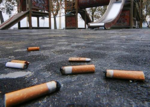 La sigaretta al parco inquina molto più dello smog, perchè?