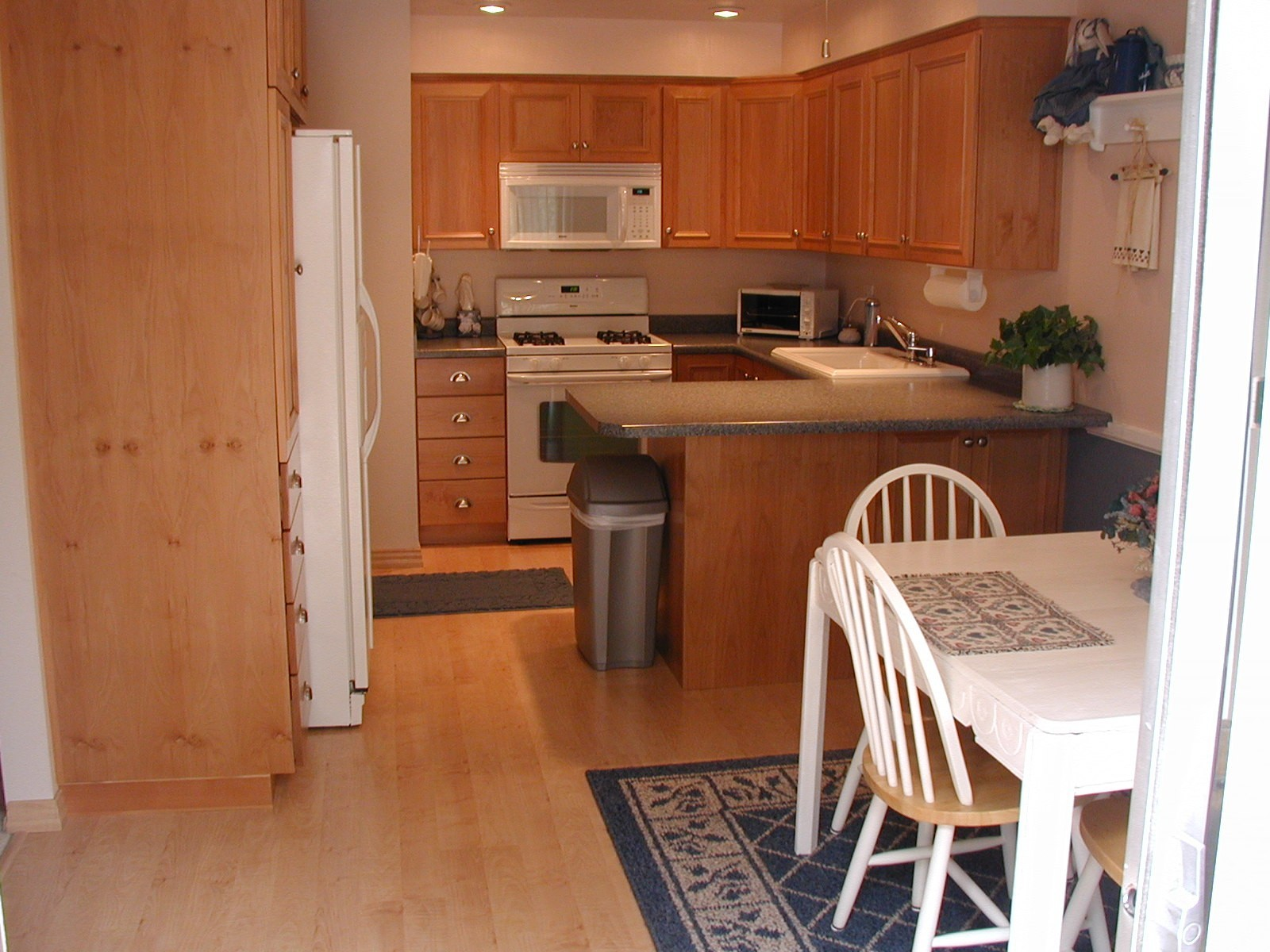 ... Color Wood Floors 3 Hardwood Floor In Kitchen Color Of Wood Floors  Kitchen 6
