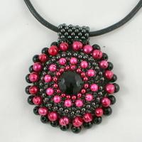 różowo-czarne