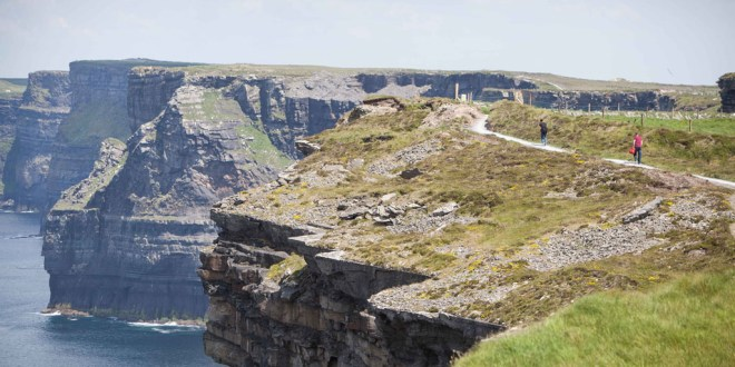 3,400 tourism jobs increase