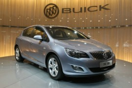 2010-Buick-Excelle-live-at-Guangzhou-Auto-Show