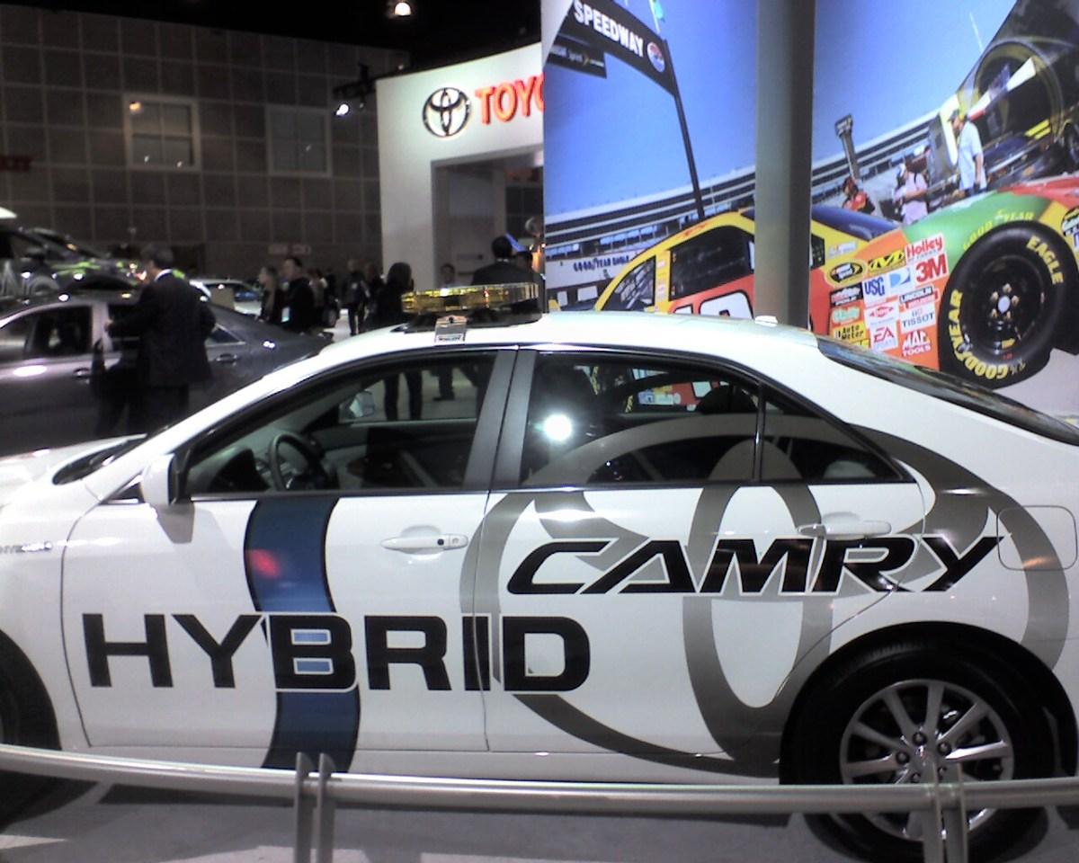 Toyota Camry Hybrid 2010