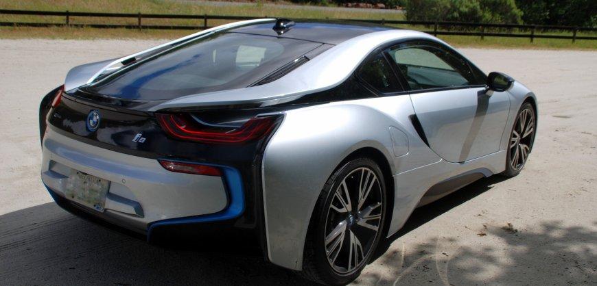 2015, BMW i8