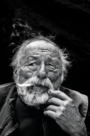DEAD MAN'S FLOAT, poems by Jim Harrison, reviewed by Clare Paniccia