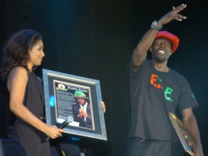 Lisa Hanna presented Shabba Ranks with plaques in 2012