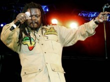 LUCIANO BECOMES THE FIRST JAMAICAN REGGAE ARTIST TO PERFORM IN MALAWI, AFRICA!