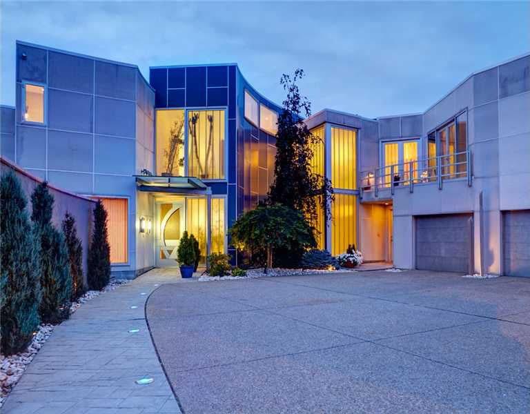 Smart-Home-With-Ergonomic-Design_1