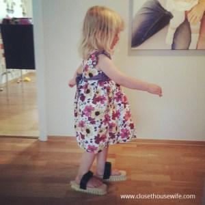 Silja washing the floor Pippi style