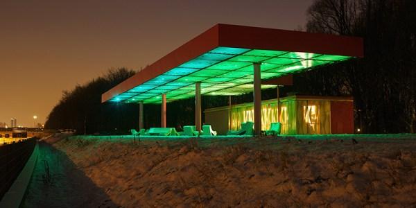station service en espace public_roze-tanker-highway-view-sophie valla8