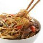 Fresca Ensalada con Fideos Chinos y atún