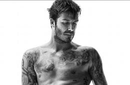 MAN CANDY: Beckham's Ab-tastic Hatrick! [Hits Beach, ALS Challenge & New Underwear Promo]