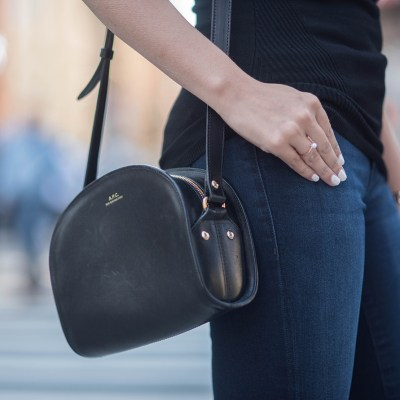 coco-and-vera-best-vancouver-fashion-blog-best-canadian-fashion-blog-top-blogger-mavi-jeans-le-chateau-top-apc-halfmoon-bag-olive-and-piper-rose-gold-ring