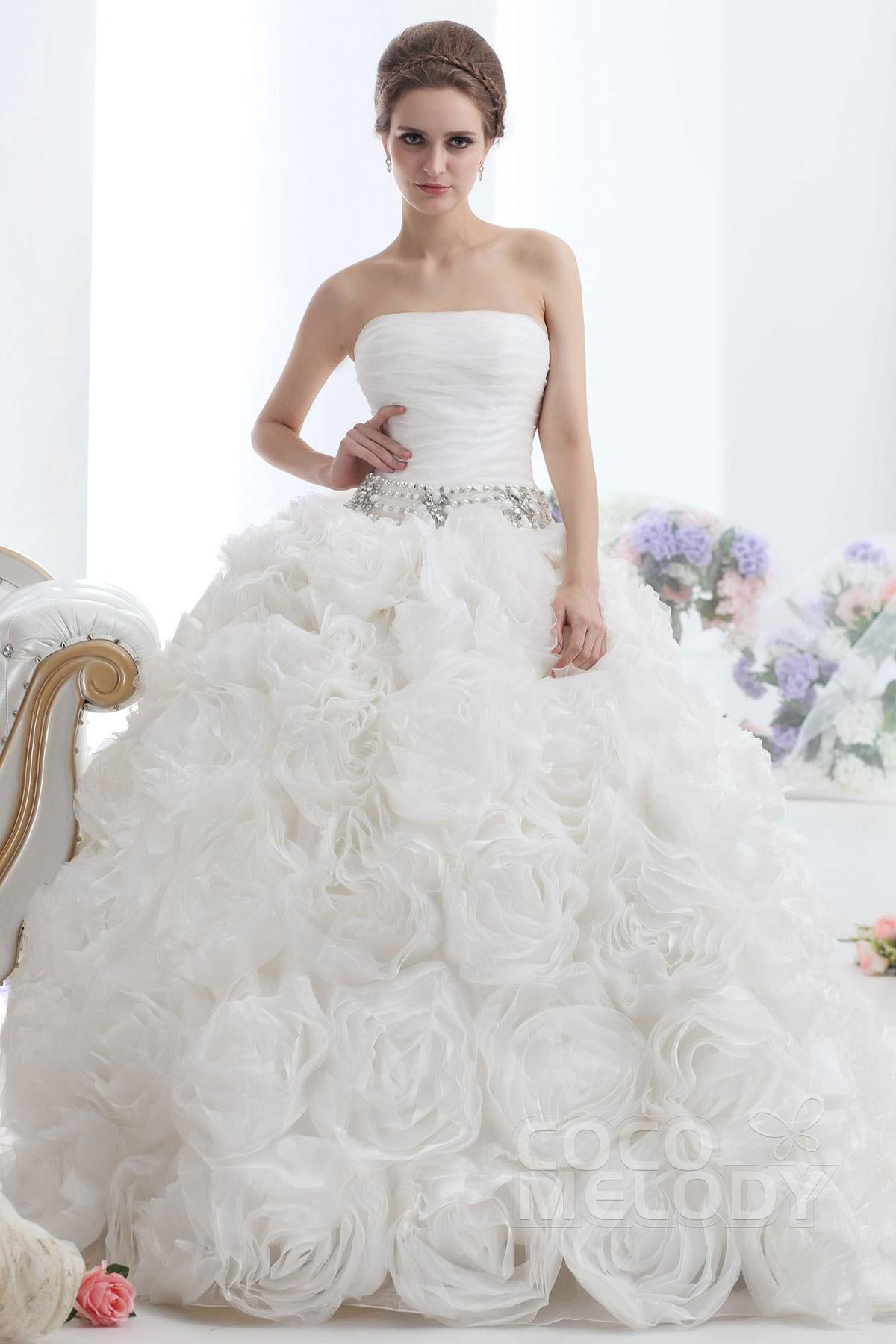 Sophisticated Ball Gown Strapless Cadral Train Organza Wedding Dress Ball Gown Strapless Cadral Train Organza Wedding Ivory Wedding Dress Roses Ivory Wedding Dresses Size wedding dress Ivory Wedding Dress
