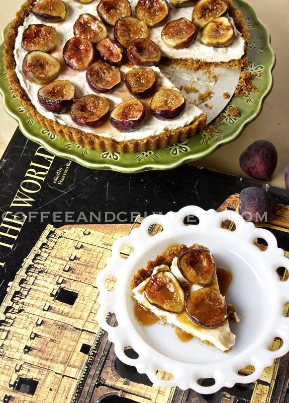 Cheesecake tart with caramelised figs
