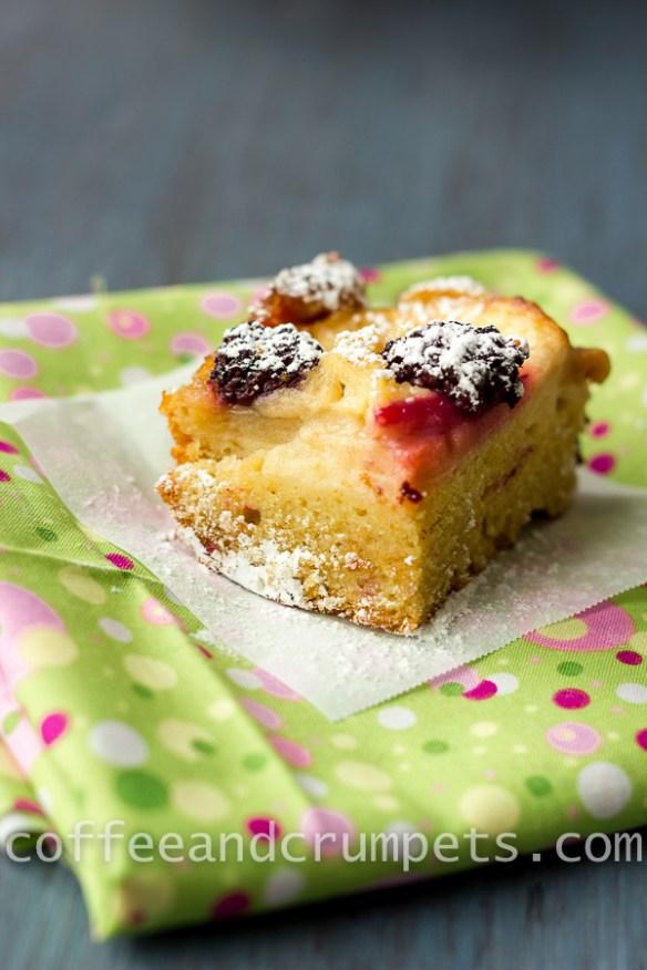 apple blackberry cake