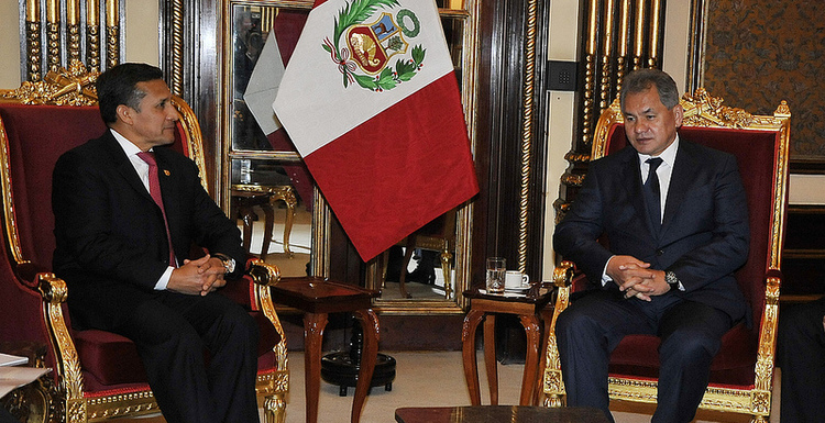 Peruvian head of State Ollanta Humala meets with Russian Defense Minister Sergey Shoigu, October 15, 2013, Photo Source: Flickr account of the Peruvian government