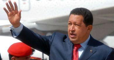 1024px-Hugo_Chavez_in_Guatemala