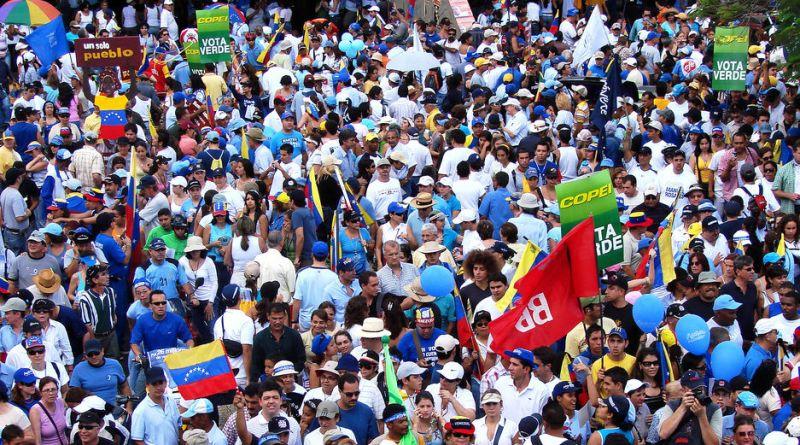 Marcha_apoyo_rosales2