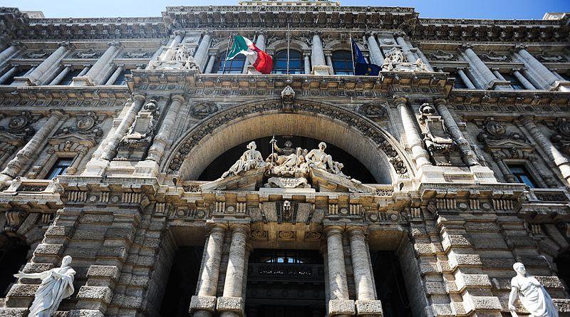 800px-front_view_of_the_palace_of_justice_rome_palazzo_di_giustizia_prati_district_rome_italy