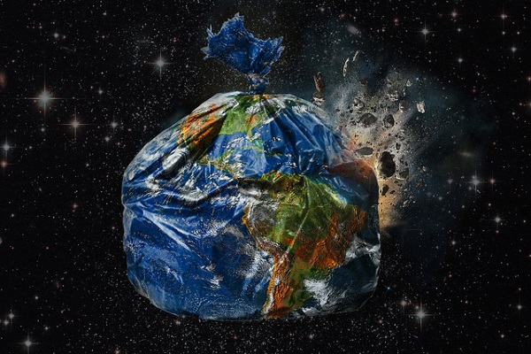 Tierra basura por Gideon Wright
