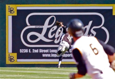 Nick Torres drops a deep flyball. (Photo: Shotgun Spratling)