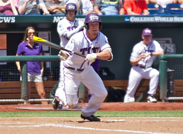 Cody Jones tries to lay down a push bunt. (Photo: Shotgun Spratling)